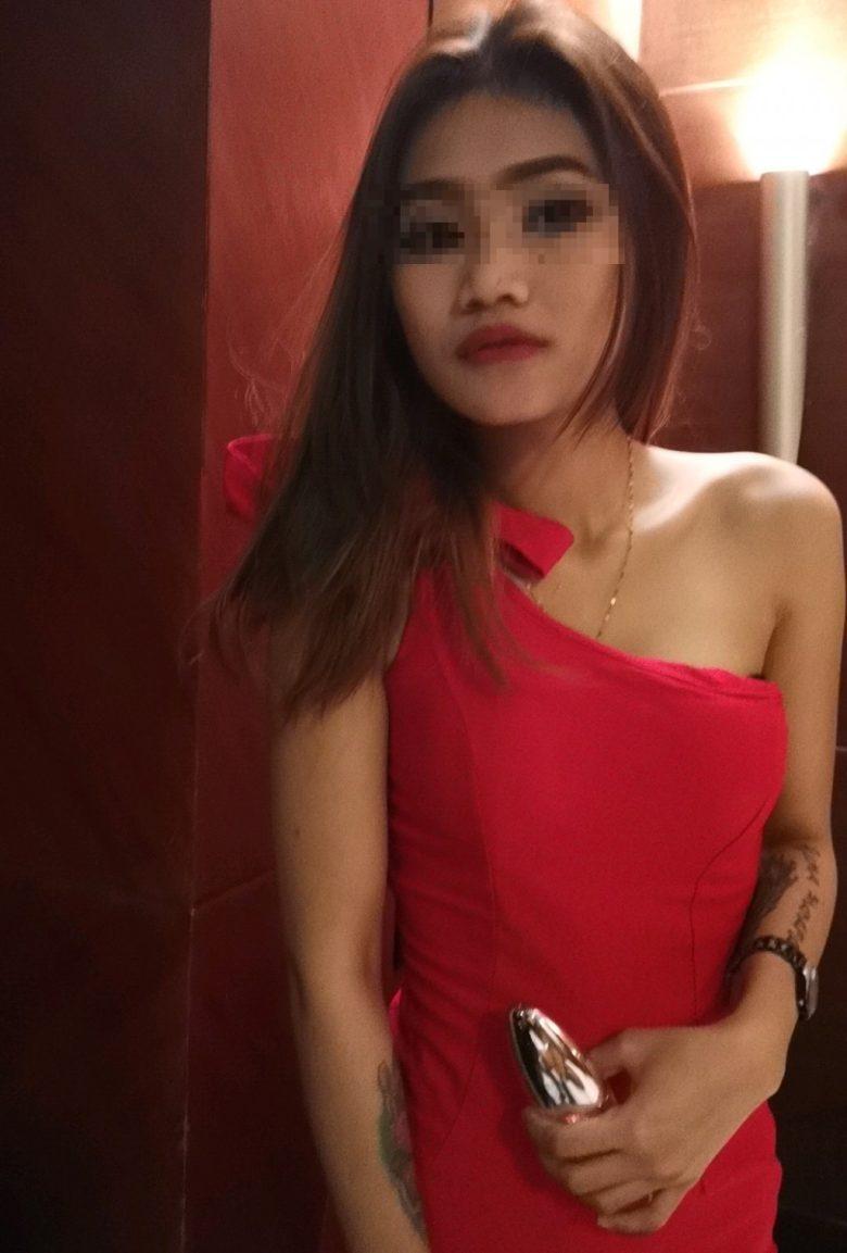 FM1 Boutique Hotelのスパの女の子①
