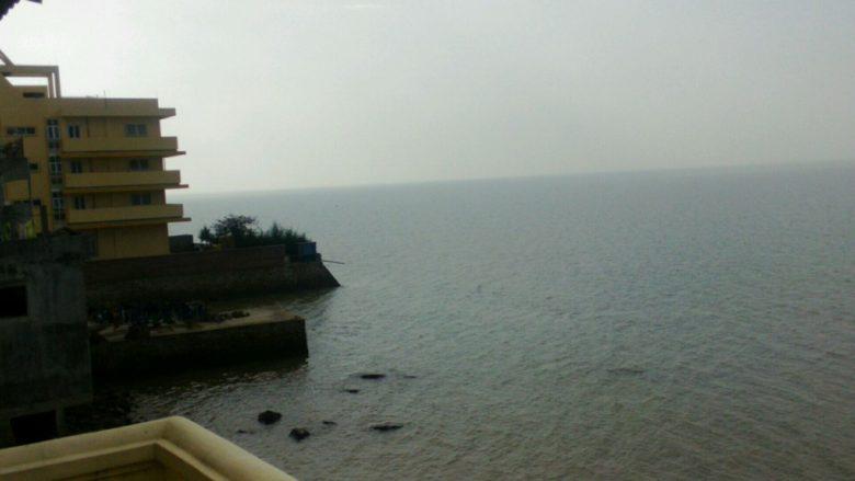 ドーソンのニャギCHI MAIから見える海