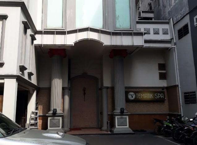 テマティクホテルプルイットのパラダイススパの入口